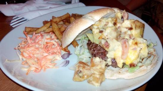 Resto La mouss'tache, vieux Lyon - Le gros burger copieux et délicieux !