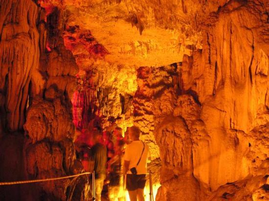 Zoniana, Grecia: В пещере