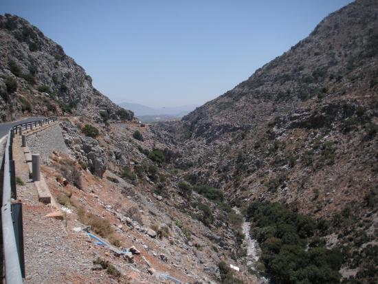 Zoniana, Grecia: Дорога к пещере