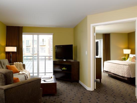 Redmond, WA: One-Bedroom Suite
