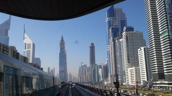 Metrô de Dubai: Dubai vista dal metro