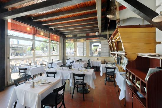 Hotel Aulac: Restaurant le Pirate
