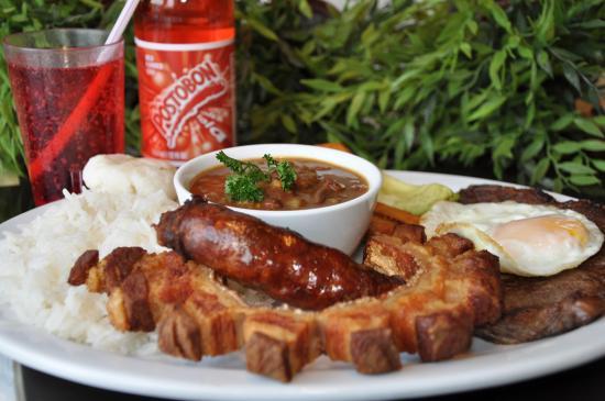 Λονγκέιγ, Καναδάς: Bandeja Paisa- Un plat typique de Medellin! Le rêve des carnivores!