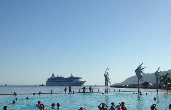 Pullman Reef Hotel Casino: The Lagoon Cairns
