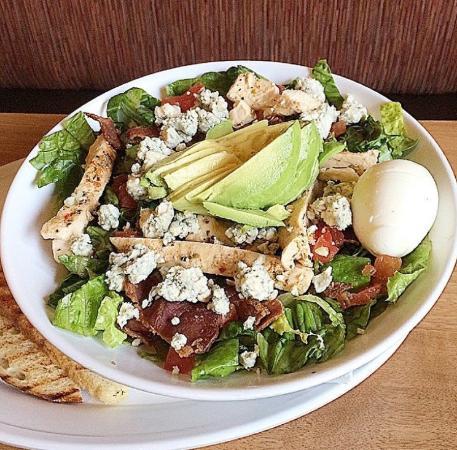 Red Bluff, CA: Cobb Salad