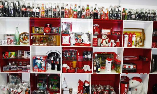 Maroondah, Australia: Coca Cola memorabilia