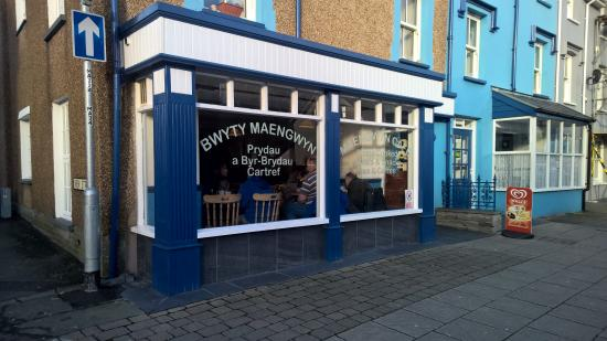 Maengwyn Cafe Picture
