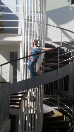 The Jonathon : Escalera de Caracol, para subir a lo que era el bar