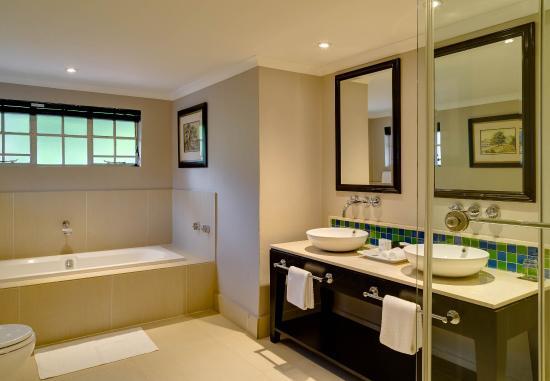 Magaliesburg, Sudáfrica: Luxury Plunge Pool Guest Room - Bathroom