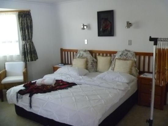 At Parkland Place: Double or Twin Bedroom