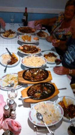 Ying Bing : A parade of plates.