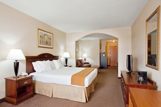 Rochelle, IL: Deluxe Room