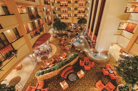 Embassy Suites by Hilton San Marcos - Hotel, Spa & Conference Center: Atrium