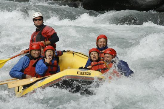 Turangi, نيوزيلندا: Tongariro River  Whitewater Rafting