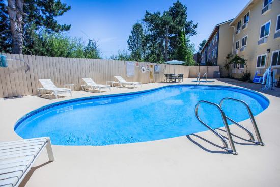 Kirkland, WA: Pool