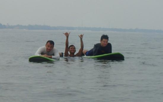 Surfing Senggigi coach