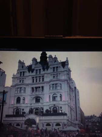 Premier Inn London Leicester Square Hotel: Faxada do hotel