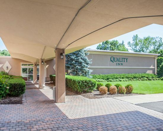Quality Inn Ledgewood