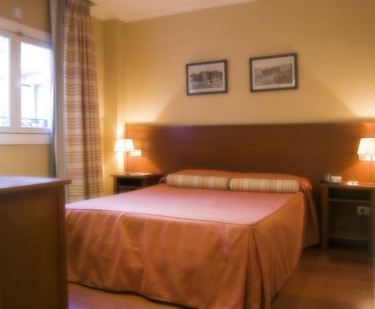 Lusso Infantas: Double Room