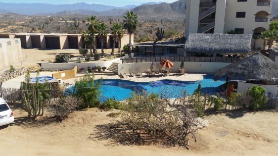 Villas de Cerritos Beach: View of pool from entryway
