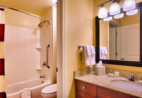 Meridian, ID: Two Bedroom Suite - Bathroom