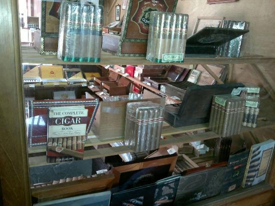 Antigua Tabaco Compania S.A.: Tienda de cigarros y su variedad