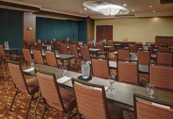 Orange Park, فلوريدا: Blanding Ballroom – Classroom Setup