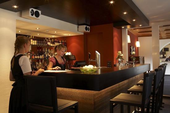 Romantik Boutique Hotel Guardaval: Cheminée Bar