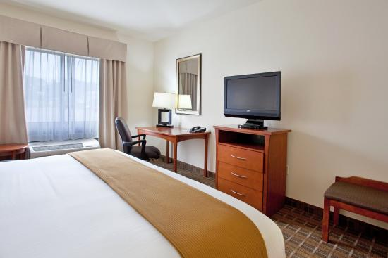 Hardeeville, SC: King Bed Guest Room