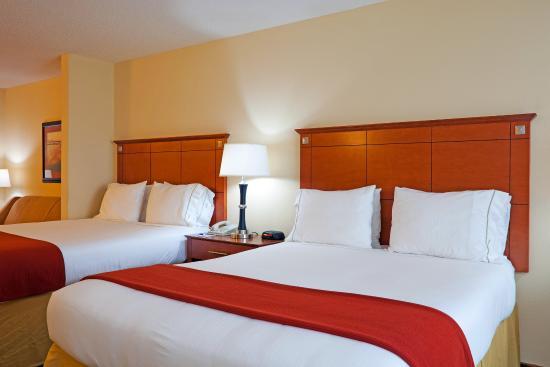 Phenix City, AL: Double Bed Guest Room