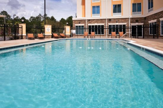 Saraland, AL: Swimming Pool