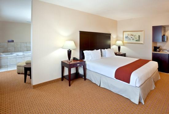 Ontario, Oregon hotel's Hot Tub Suite - Relax!
