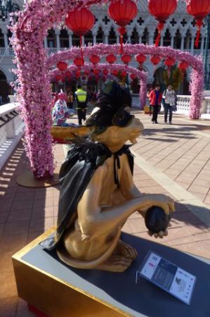 The Venetian Macao Resort Hotel: Venetian Macao Resort - Monkey sculpture (CNY 2016) - 9