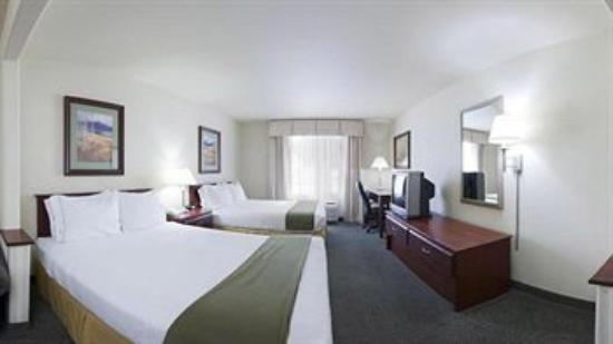 Grand River Hotel: TWO QUEEN BED SUITES