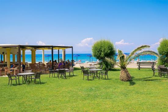 Sun Beach Resort Complex : Beach Bar