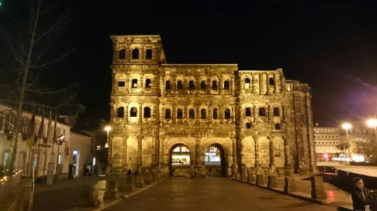 Porta Nigra: DSC_1077_large.jpg