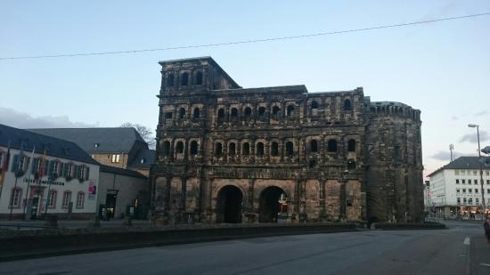 Porta Nigra: DSC_1184_large.jpg