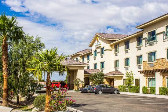 Comfort Inn & Suites Yuma: Exterior