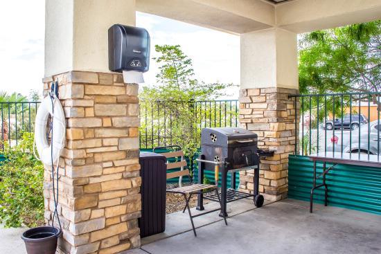 Comfort Inn & Suites Yuma: BBQ
