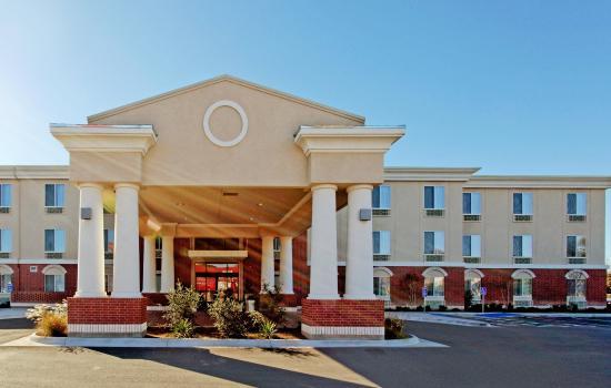 Ozona, TX: Hotel Exterior