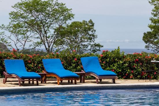 Villas de Palermo Hotel & Resort: Winter is warm, lush and green in Nicaragua