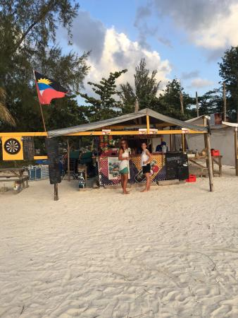 Sandra's Beach shop Bar and Grill
