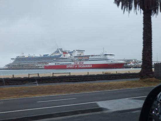 Devonport, Austrália: Docked at Melbourne
