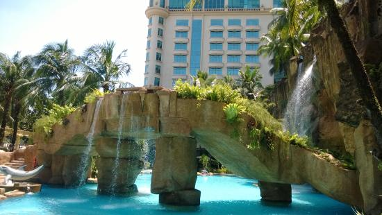 Yummy picture of sunway pyramid hotel petaling jaya tripadvisor for Sunway pyramid hotel swimming pool