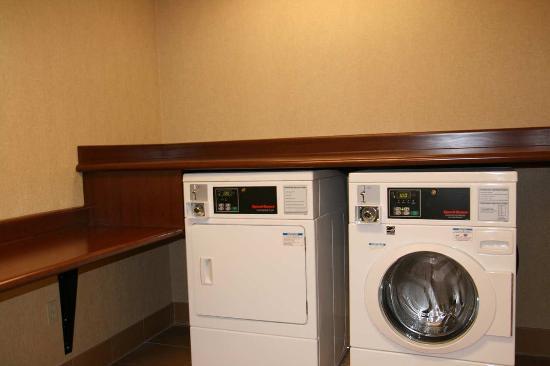 Δυτικό Σακραμέντο, Καλιφόρνια: Guest Laundry Facility
