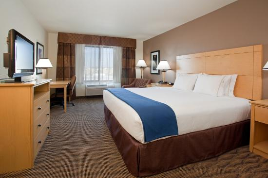 West Valley City, UT: Standard King Room with our luxuriously soft bedding