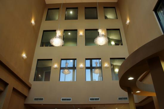 Holiday Inn Express & Suites - Harrisburg West: Hotel Lobby
