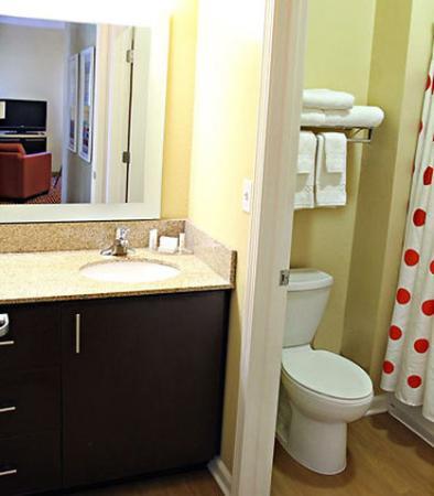 Huntington, Virginia Occidental: Suite Bathroom