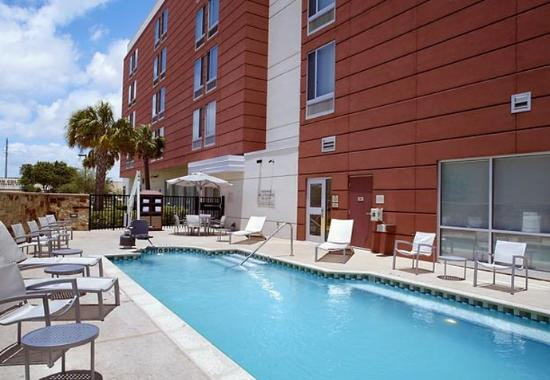 Webster, Teksas: Outdoor Pool