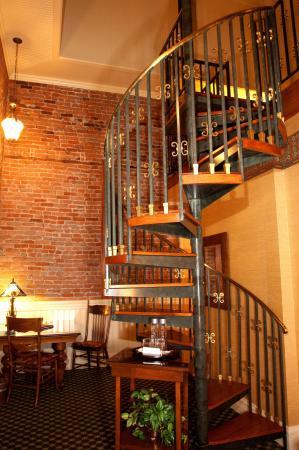 Beaumont Hotel & Spa: Queen Suite